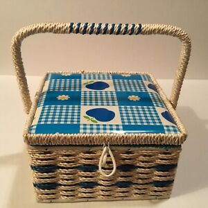 VINTAGE WICKER SEWING BOX! MADE IN JAPAN EXCLUSIVELY FOR SINGER! DAISIES