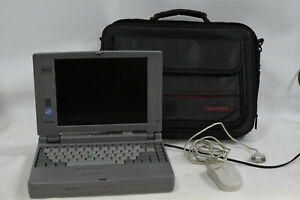 Toshiba Satellite 100CS Vintage Laptop Computer & Case - Parts AS IS Not Working