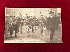carte postale ancienne militaire N 46 14 volontaires écossais parcourant londres