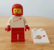 Lego Classic Space Minifigure And Printed Slope Brick Vintage Astronaut