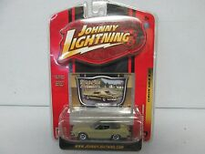 Johnny Lightning Classic Gold Collection 1974 Ford Torino R36