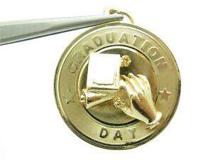 14k Yellow Gold Graduation Day Diploma Design Vintage Charm Pendant Gift 3.8 Gr