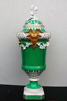 KPM Berlin 45 cm hoch Widderkopf-Vase 2. Hälfte 19. Jh. Porzellan grün-weiß-gold
