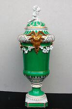 KPM Berlin Widderkopf-Vase 2. Hälfte 19. Jahrhundert Porzellan grün-weiß-gold