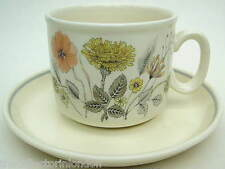 J & G Meakin Hedgerow Pattern Tea Cups & Saucers Trend Collection Look in VGC