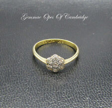 Dainty 18ct Gold & Platinum Diamond Ring in Flowerhead Setting Size M 2.1g
