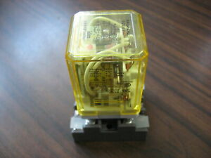 Idec RR3PA-UL Cube Relay   (11 Pin Round, 24 VDC Coil )