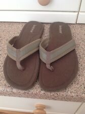 GREAT ISOTONER MENS KHAKI FLIP FLOPS UK SIZE 11 WORN GOOD CONDITION