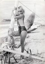 Photo originale Mylène Demongeot maillot de bain plage Brésil
