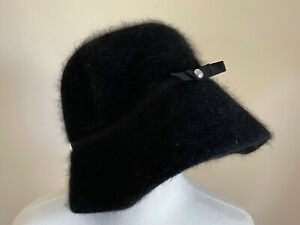 Rabbit Hair GAP Cloche Black Hat Size S/M Fuzzy Bucket Hat Warm Winter Bow