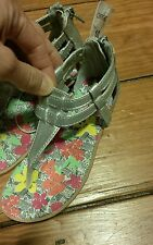 "NWT - CHEROKEE Girls Sandals ""Jingle"" silver with colorful flowers - Size 10"