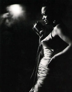 Eartha Kitt UNSIGNED photograph - L3967 - New York City, 1952 - NEW IMAGE