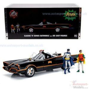 Batman 1966 TV Series Batmobile 1:18 Die-Cast Metal Vehicle with Working Lights