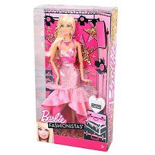 Mattel Y7496 BARBIE Fashionistas Galamode deLuxe BARBIE Puppe mit Zubehör