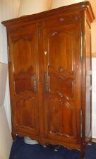 Armoire Style Louis XV à 2 portes panneautées et penderie
