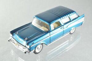 JQ202 Road Signature #94203 1:43 1957 Chevrolet Nomad A+/-
