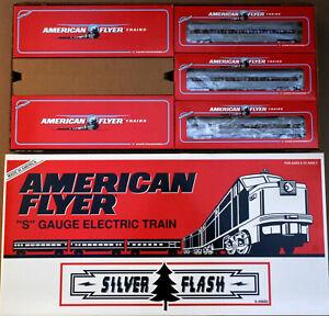 AMERICAN FLYER S GAUGE 49606 SILVER FLASH PA/PB DIESEL ENGINE W/3 PASSENGER CAR