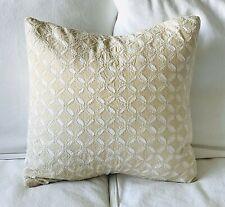 """Pottery Barn Audrey Eyelet Applique Pillow Cover Natural 18 """"x 18"""" EUC"""