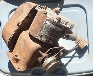Vintage 1940 Briggs & Stratton Model WMB 4-Cycle Kick Start Gas Engine Motor