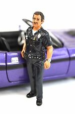 HARRY US POLICE OFFICER AMERICAN DIORAMA 23838 1:24 SCALE ACCESSORY FIGURE NEW
