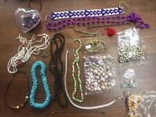 Selection of 17 items of broken jewellery – ideal for jewellery making