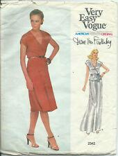 Vogue Pattern 2342 Diane Von Fustenberg Women's Top Skirt Belt Size 8 circa 1980
