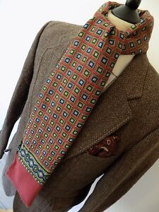 """VTG mens 70's schapira INDIE/MOD RED SQUARE PATTERN SCARF FRAYED ENDS 10.5 x 49"""""""