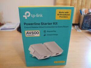 TP-LINK AV600 Powerline Universal Wi-Fi Range Extender - TL-WPA4010T KIT