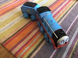 Fisher Price Thomas Train Wooden/Diecast Battery Operated Gordon