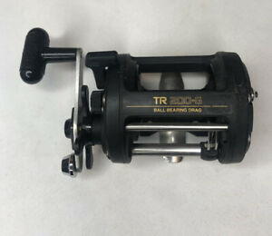 Shimano TR 200-G 4.3:1 Gear Ratio Right Hand Baitcasting Reel - Smooth & Clean