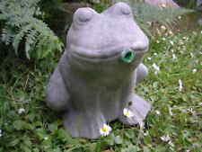 Frosch als Wasserspeier aus massivem Steinguss
