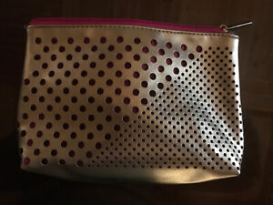 New Clinique Cosmetic Makeup Bag Travel Case Pouch  Zip Top Metallic Silver Pink
