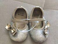 Baby Girl Stuart Weitzman Pali Gabi Dress Shoes Size 3 Silver Gold Bow Flexible