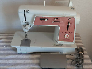 1966 Singer Touch & Sew Sewing Machine Deluxe Zig Zag 626 METAL GEARS *TESTED*