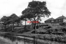 PHOTO  1954 ROCHDALE CANAL THE HOUSES VISIBLE IN THE BACKGROUND WERE THEN IN LOC