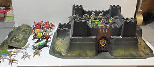 Vintage Britains Deetail Knights Of The Sword Castle 17 Knights 10 Horses Castle