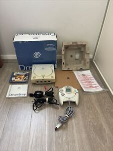 SEGA DREAMCAST CONSOLE PAL COMPLETE WITH 1 GAME IN BOX