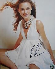 KEIRA KNIGHTLEY * PIRATES OF THE CARIBEAN * GREAT SIGNED PHOTO  8 X 10  W/COA