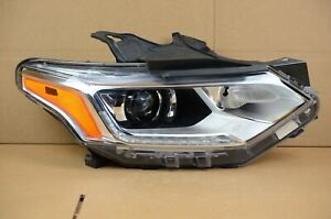2018-2020 Chevrolet Traverse HID Headlight Headlamp Right RH Passenger Side OEM