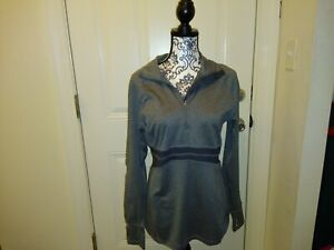 Apana gray active wear pull over jacket size large.