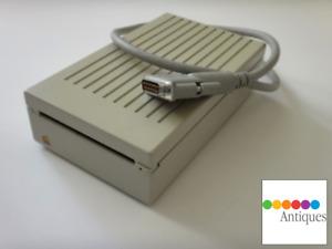 Apple SuperDrive External Floppy 1.4MB FDHD Disk Drive G7287 Vintage Mac IIgs