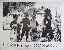Biblioteca DEL CONGRESSO, in attesa per la parata-Russell Lee, 61x76cm. POSTER DI GUERRA