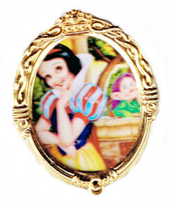 2000 DISNEYLAND SNOW WHITE MAY CHARACTER OF THE MONTH PIN LIMITED EDITION 500