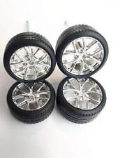 MAISTO Bugatti Chiron 1:24 Spare Parts 4 Wheels With Tyres die cast