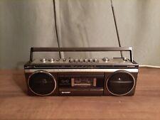 Sharp QT-12  Ghettoblaster Radio Recorder Cassette Kassettenrecorder Vintage