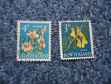 2x New Zealand stamps 1960 featuring flowers'3d Kowhai' and '4d Puarangi'