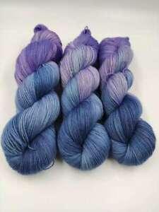 Handgefärbte Sockenwolle 4 fach 100 g - BLAUES  LILA  5475