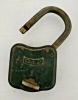Vecchio Lucchetto antico retrò in ferro padlock con chiave funzionante primo 900