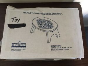 "BRAND NEW~KID CRAFT HARLEY-DAVIDSON BLACK EMBLEM CHILDS STOOL~6 1/8"" H X 12.25""L"