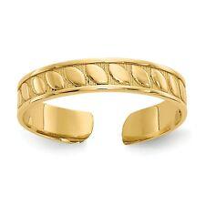 Ring. Metal Wt-0.73g 14k Yellow Gold Toe